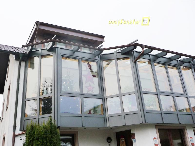 Glaswand Glasdach am Wintergarten mit Befestigungsprofilen